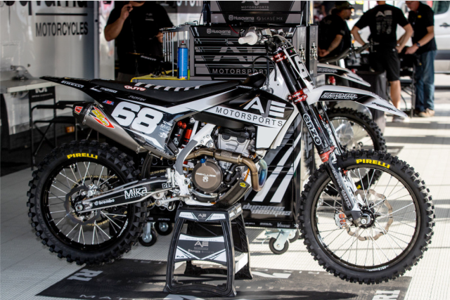 Get Husqvarna graphics for mind-blowing looks