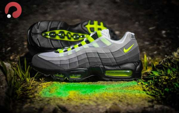 "Nike Air Max 95 ""Neon"" CT1689-001 Released On December 17"
